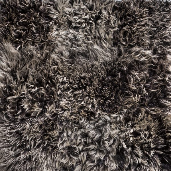 Hand Crafted Antartic Full Ebony Frosted Rug