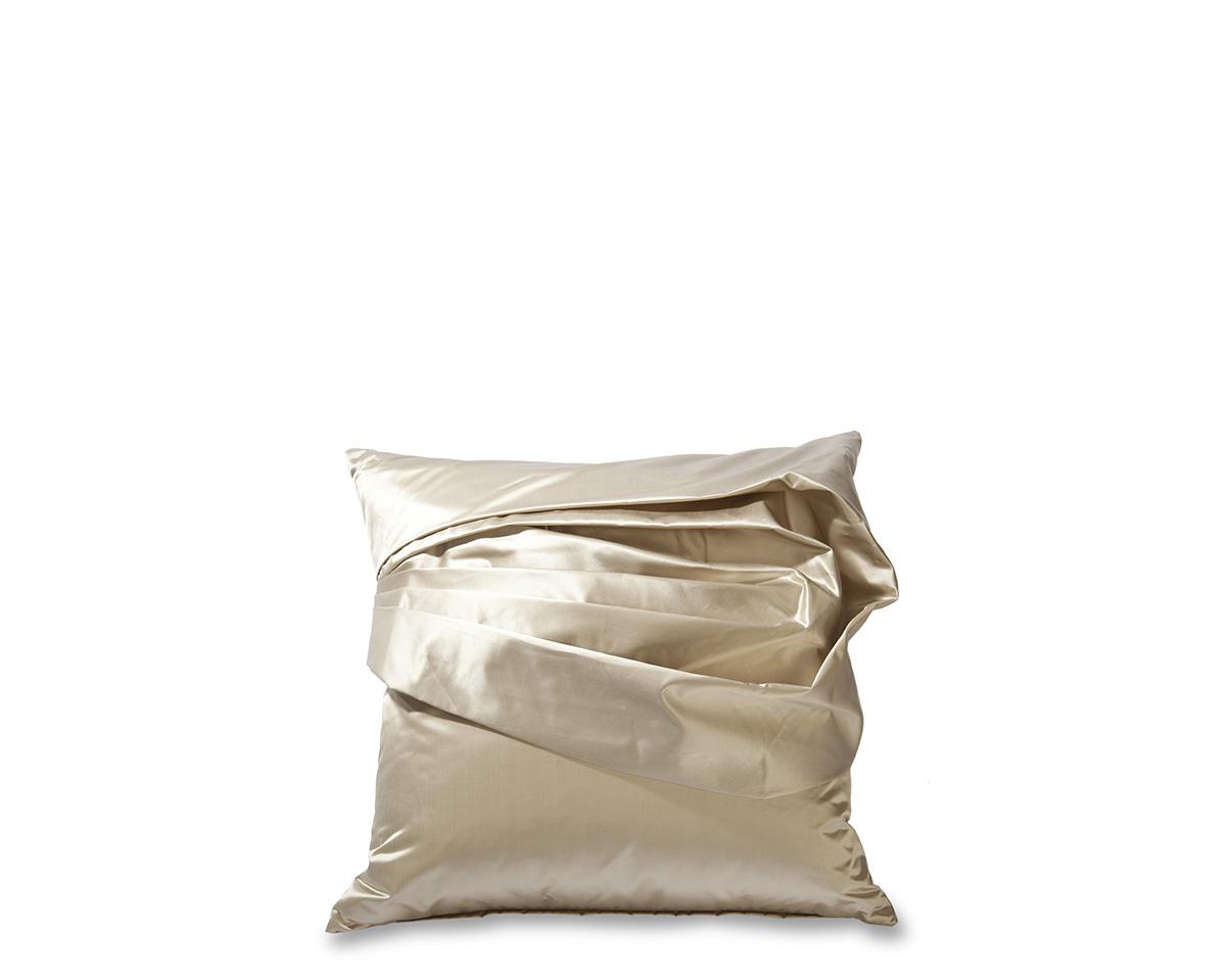 Ebanista_Adalene_II_Pillow-1.jpg