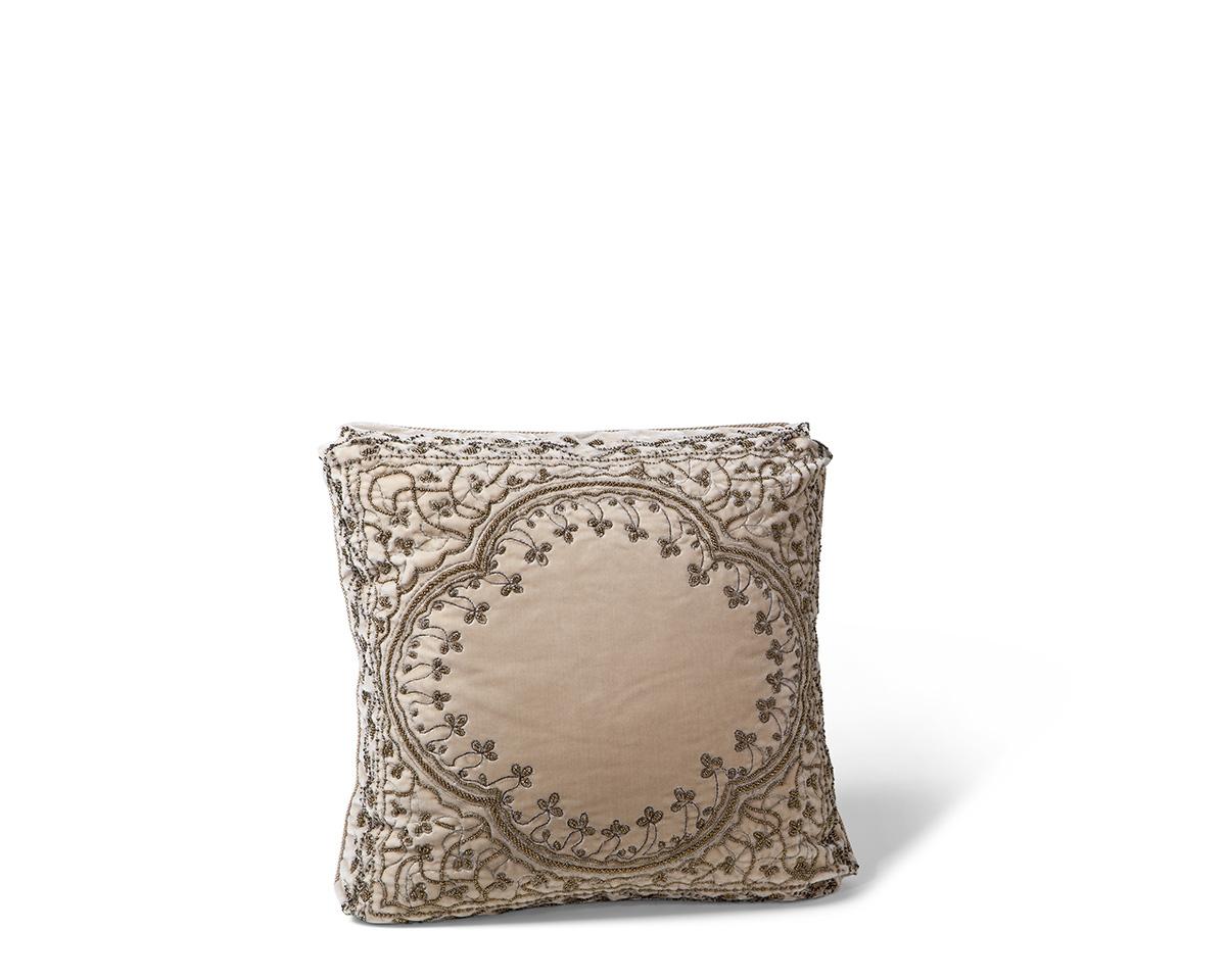 Ebanista_Montague_Pillow_Cream-1.jpg