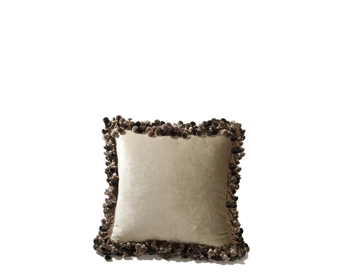 Ebanista_Tille_Pillow-1.jpg